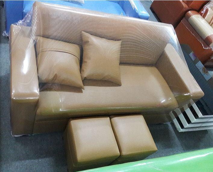 Hình ảnh ghế sofa văng giá rẻ dưới 3 triệu đồng tại Hà Nội với màu nâu vàng nhạt
