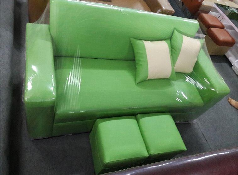 Hình ảnh ghế sofa văng mini giá rẻ Hà Nội dưới 3 triệu đồng với màu xanh nõn chuối