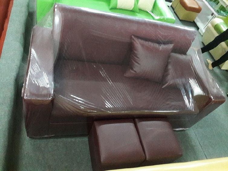 Hình ảnh cho bộ ghế sofa văng giá rẻ dưới 3 triệu đồng tại Hà Nội với màu nâu đậm