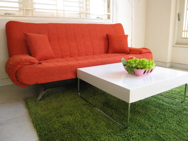 Hình ảnh cho mẫu sofa văng giá rẻ ở Hà Nội với gam màu đỏ rực rỡ