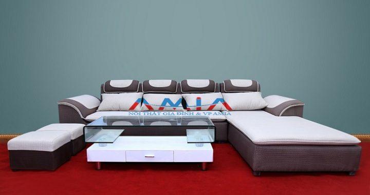 Hình ảnh cho mẫu sofa nỉ giá rẻ được trưng bày tại showroom của Nội thất AmiA