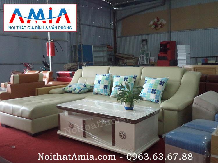 Hình ảnh mẫu bàn trà sofa mặt kính khung gỗ nhập khẩu cao cấp