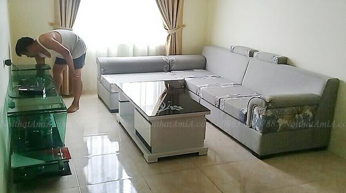 Hình ảnh Ghế sofa nỉ đẹp hình chữ L chụp tại phòng khách nhà khách hàng