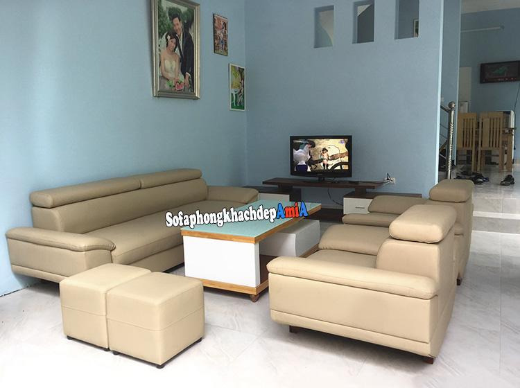 Hình ảnh Bàn ghế sofa da phòng khách đẹp dạng ghế sofa văng kết hợp ghế sofa đơn có tay vịn