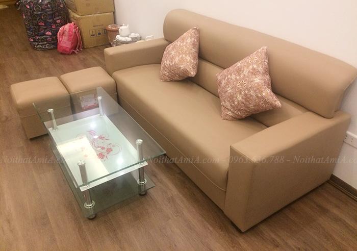 Hình ảnh Sofa văng da đẹp hiện đại kết hợp cùng bàn trà trong phòng khách đẹp AmiA SFD087