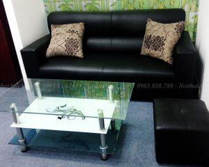 Hình ảnh Sofa văng da màu đen kết hợp bàn trà kính đẹp hiện đại