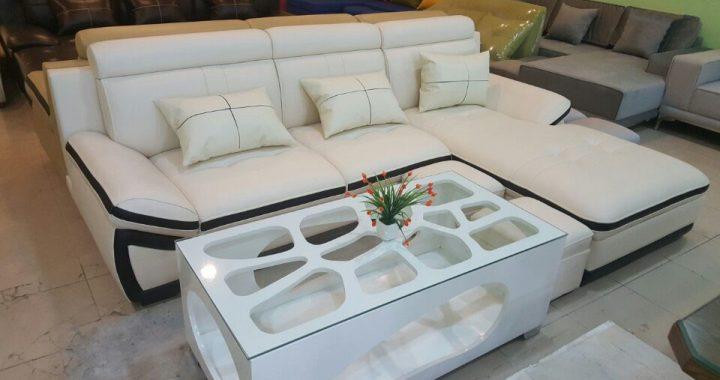 Hình ảnh cho mẫu bàn sofa đẹp được phối hợp cùng mẫu ghế sofa da sang trọng