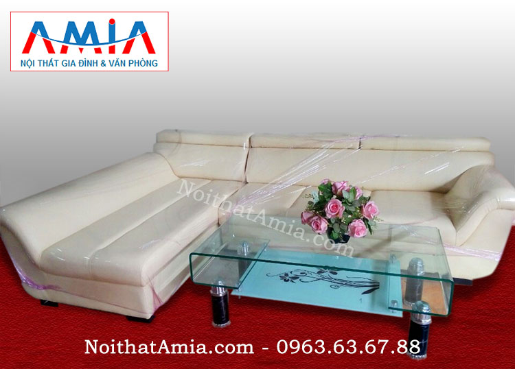 Hình ảnh chụp thực tế mẫu bàn trà kính cùng ghế sofa da đẹp