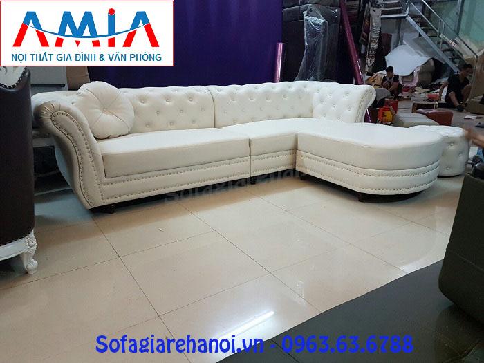 Hình ảnh cho mẫu ghế sofa văng da đẹp màu trắng thật điệu đà với chi tiết đính đinh đồng