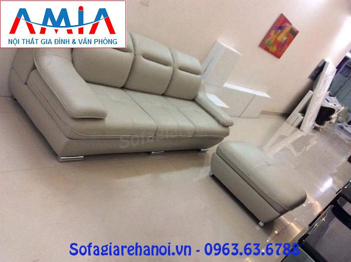 Hình ảnh cho mẫu sofa văng da 3 chỗ đẹp hiện đại với gam màu kem nhẹ nhàng