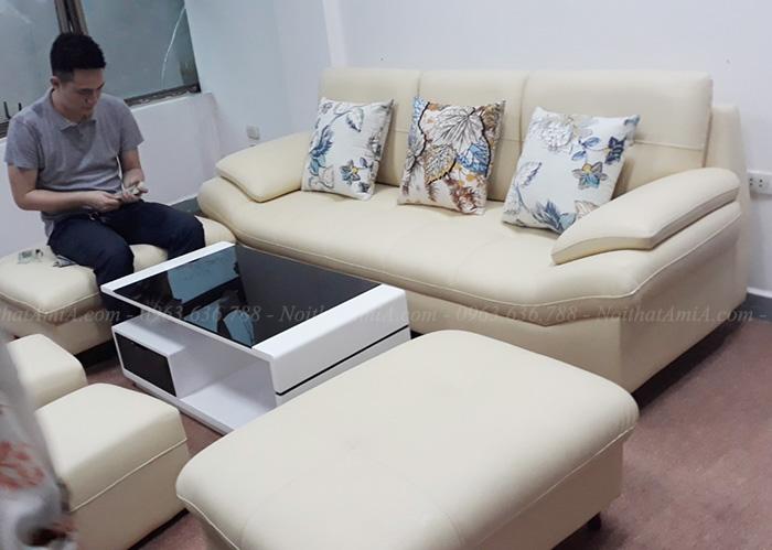 Hình ảnh Mẫu ghế sofa văng da đẹp bài trí trong căn phòng khách gia đình