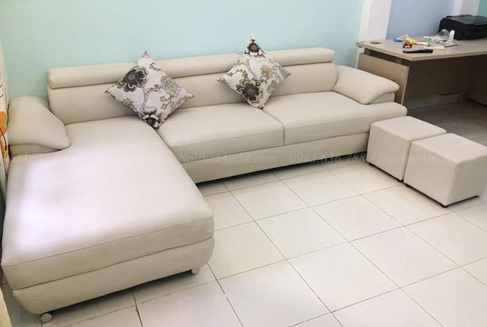 Hình ảnh Sofa da góc chữ L là một trong các mẫu sofa đẹp nhất tại AmiA