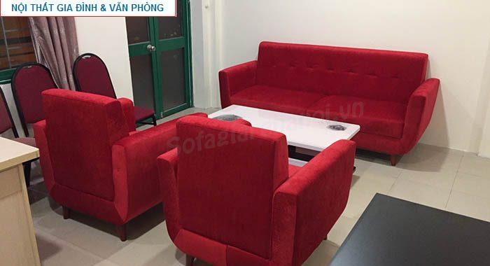Hình ảnh cho bộ ghế sofa văng đẹp bài trí trong phòng khách công ty