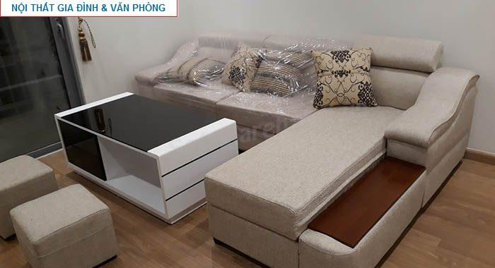 Hình ảnh cho mẫu sofa nỉ chữ L khi bố trí và sắp xếp trong căn phòng khách gia đình Việt