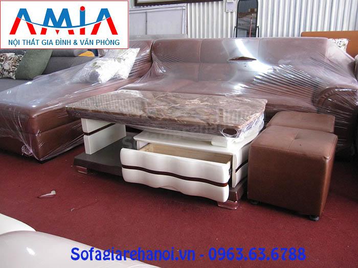 Hình ảnh mẫu bàn trà sofa đẹp đang được trưng bày tại Tổng kho Nội thất AmiA