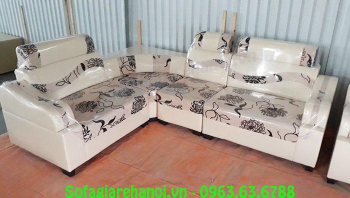 Hình ảnh mẫu sofa da pha nỉ khi được trưng bày ngay tại Tổng kho Nội thất AmiA
