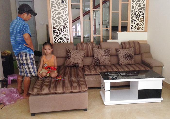 Hình ảnh Mẫu ghế sofa nỉ đẹp bài trí trong không gian căn phòng khách đẹp gia đình