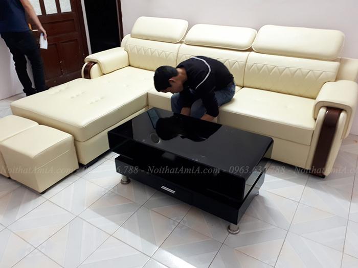 Hình ảnh Mẫu sofa đẹp amia bài trí trong phòng khách nhà khách hàng