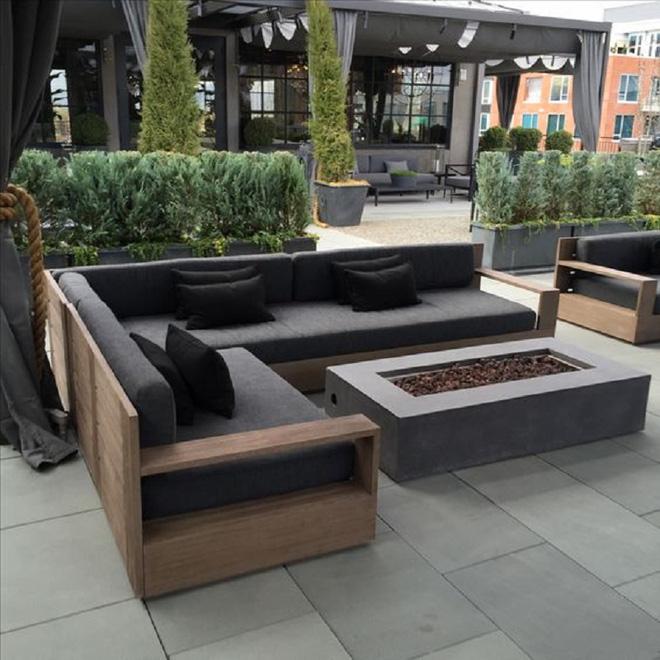 Hình ảnh cho mẫu ghế sofa chữ L gỗ khi được tích hợp thêm phần nệm ấm áp
