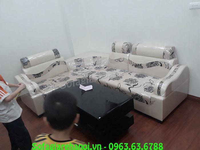 Hình ảnh mẫu sản phẩm ghế sofa da pha nỉ khi kê tại phòng khách nhà khách hàng