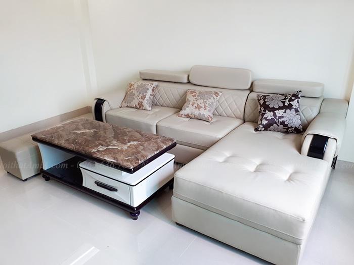 Hình ảnh Bài trí mẫu ghế sofa đẹp AmiA hình chữ L tại phòng khách nhà khách hàng