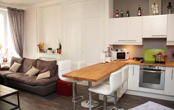 Hình ảnh bộ bàn ghế phòng khách mini với thiết kế dạng văng đẹp