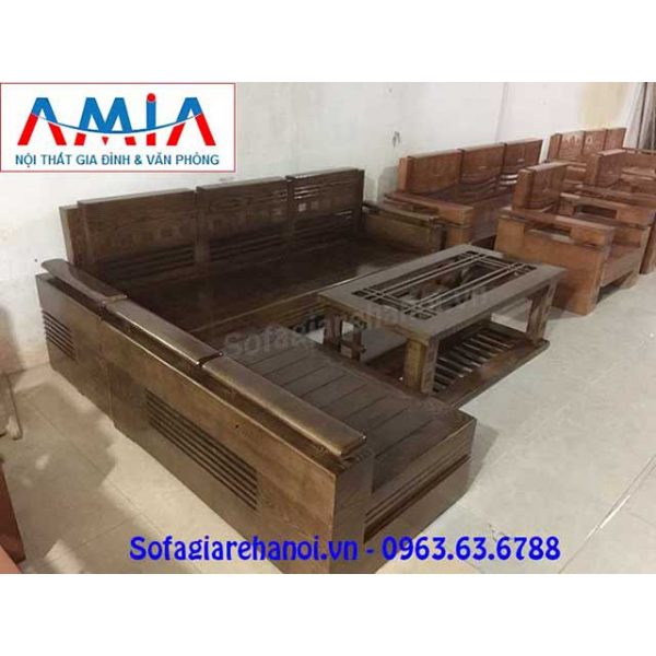 Hình ảnh bộ ghế sofa chữ L gỗ màu nâu đen thật hiện đại, sang trọng và đẳng cấp