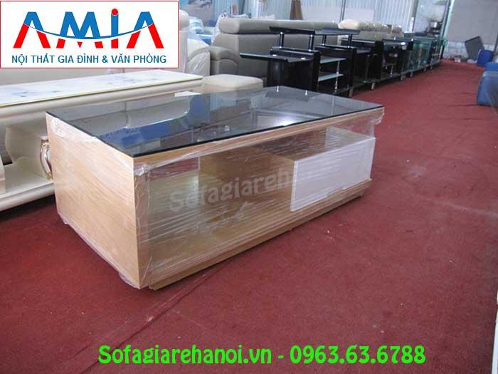 Hình ảnh mẫu bàn trà gỗ mặt kính đẹp hiện đại với thiết kế đơn giản