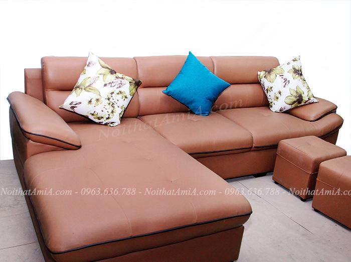 Hình ảnh Mẫu ghế sofa da đẹp hình chữ L chụp thực tế tại Tổng kho Nội thất AmiA