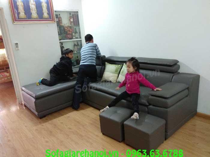 Hình ảnh bộ ghế sofa da góc chữ L màu ghi đậm đẹp hiện đại với thiết kế mới lạ