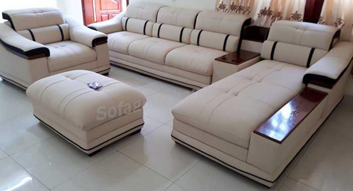 Hình ảnh bộ ghế sofa da góc chữ L đẹp hiện đại được chụp tại phòng khách gia đình