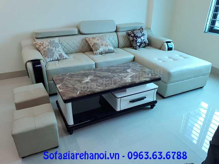 Hình ảnh bộ ghế sofa da góc chữ L 3 chỗ với tay ghế ốp gỗ thật độc đáo