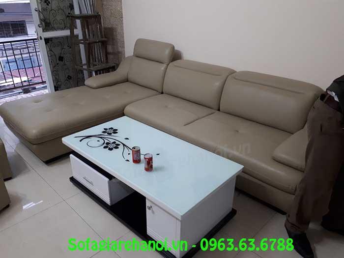 Hình ảnh ghế sofa da góc chữ L 3 chỗ kết hợp bàn trà sofa kính trắng đẹp hiện đại