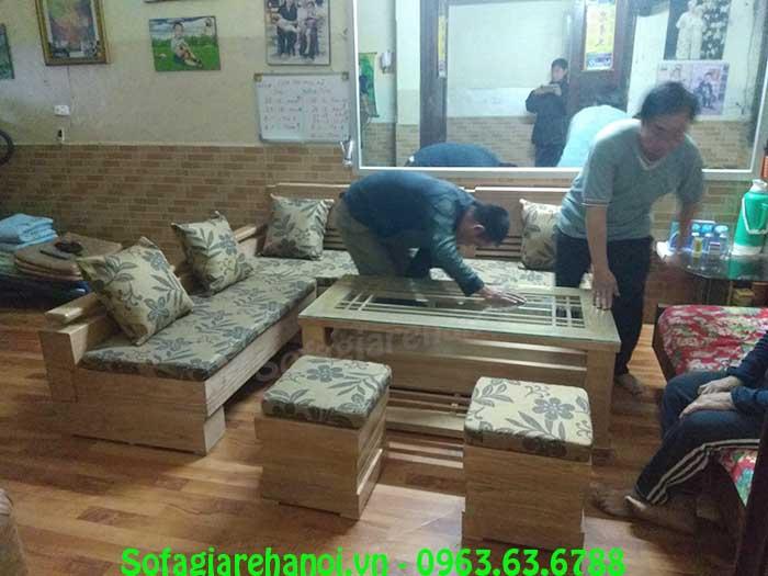 Hình ảnh mẫu ghế sofa gỗ đẹp hiện đại được tích hợp với phần nệm mút hiện đại