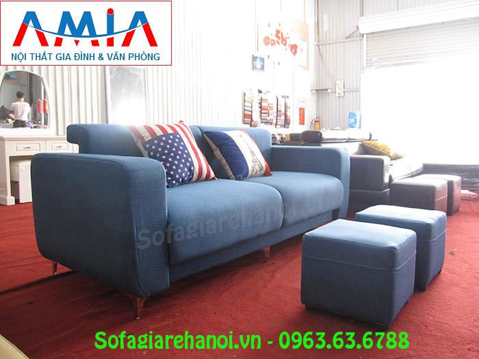 Hình ảnh ghế sofa mini đẹp hiện đại với chân đế inox cao, sang trọng