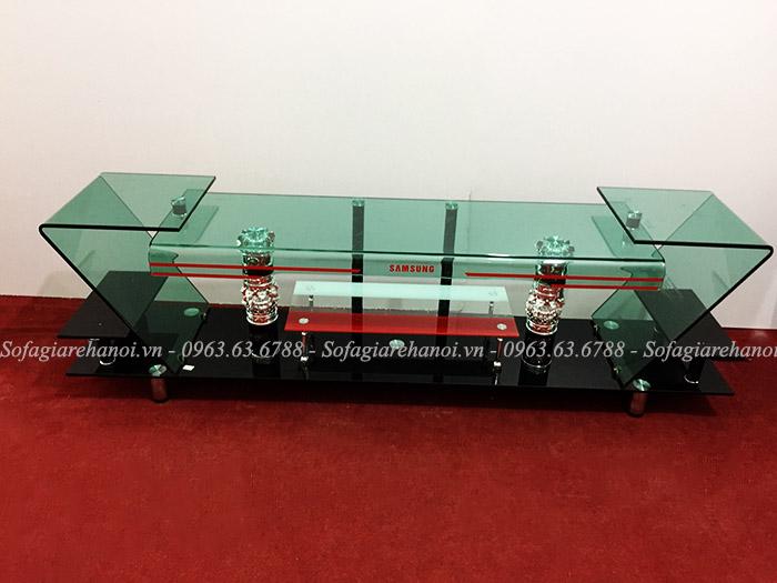 Hình ảnh mẫu kệ tivi kính xanh trong suốt cũng đang rất được yêu thích và ưa chuộng tại Nội thất AmiA