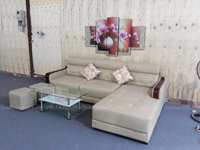 Hình ảnh Mẫu ghế sofa đẹp da góc chữ L tay ốp gỗ hiện đại