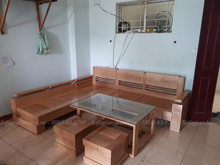 Hình ảnh sofa gỗ chữ L kết hợp bàn trà gỗ kính đẹp mê ly