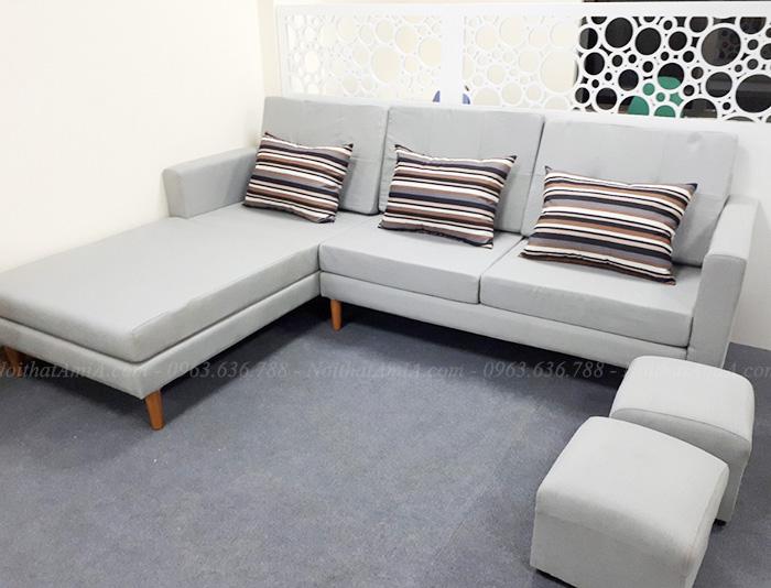Hình ảnh Mẫu ghế sofa nỉ đẹp chữ L chụp tại phòng khách nhà khách hàng