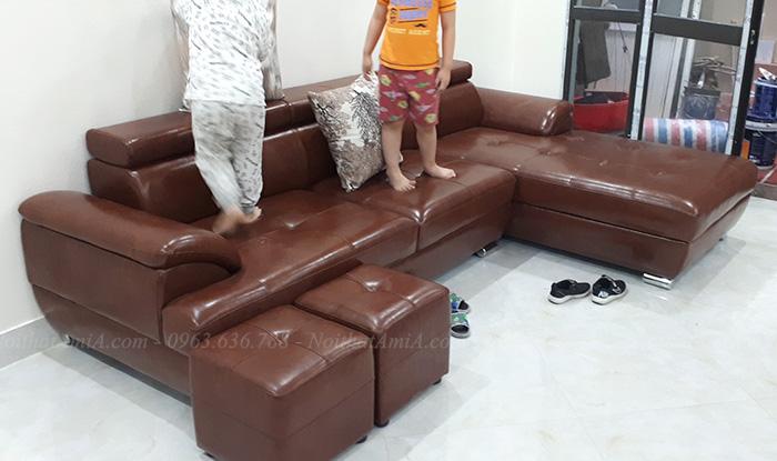 Hình ảnh Bộ sofa da đẹp góc chữ L cho phòng khách gia đình Việt