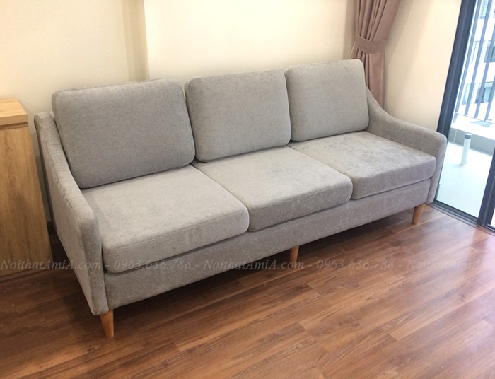Hình ảnh Ghế sofa nhỏ gọn dạng văng 3 chỗ với chất liệu nỉ