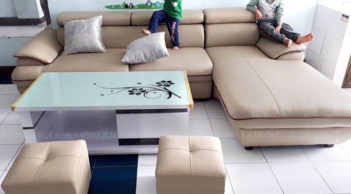 Hình ảnh Sofa da chữ L đẹp kết hợp cùng bàn trà kính đẹp