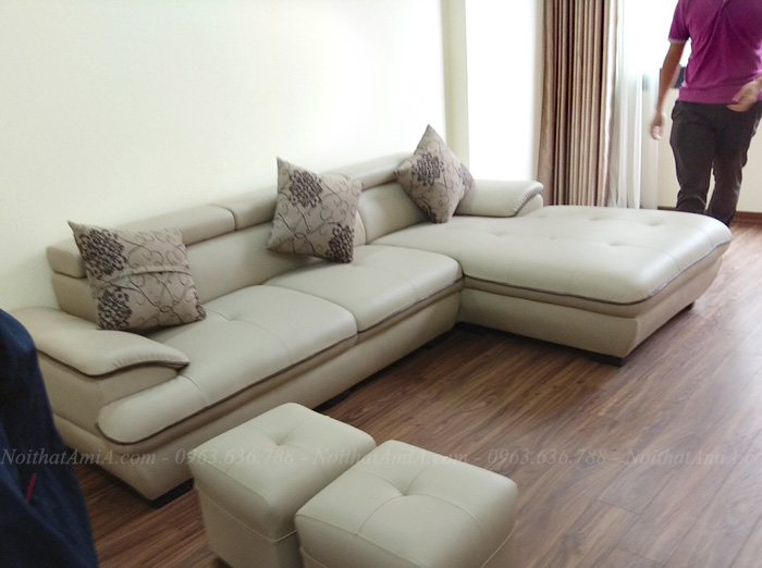 Hình ảnh Sofa da đẹp chữ L chụp tại phòng khách nhà khách hàng