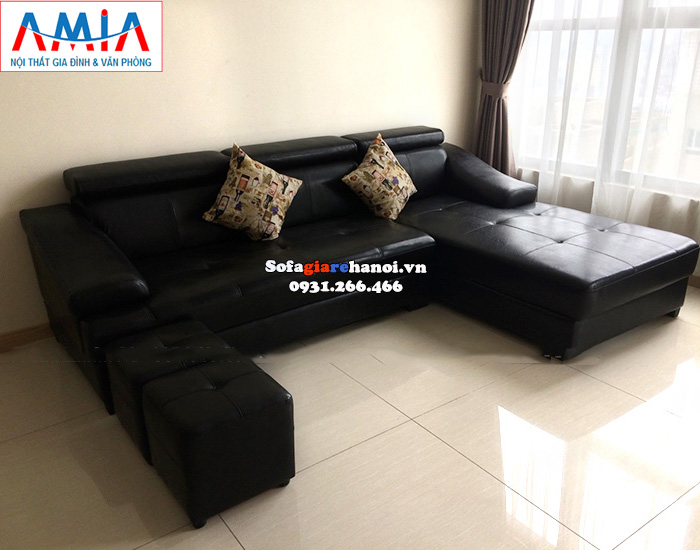 Sofa Màu đen Tạo điểm Nổi Bật Với Màu Sơn Tường Nhẹ Sofa