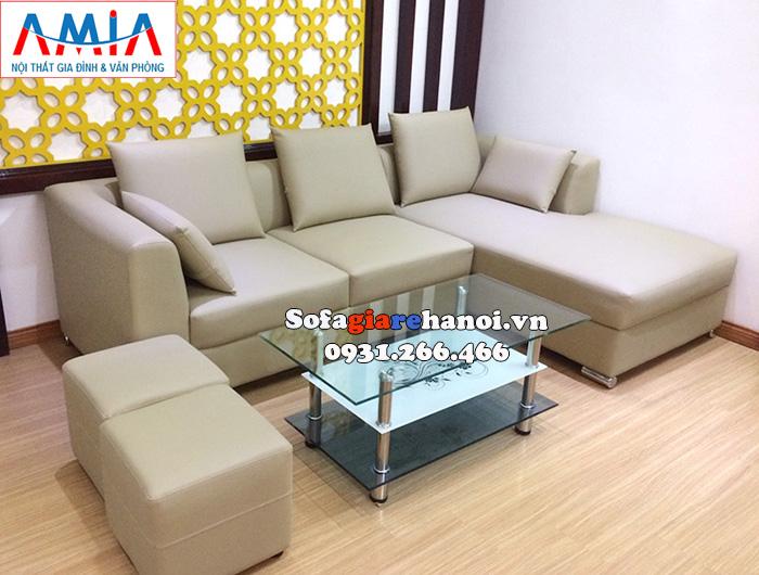 Hình ảnh Ghế sofa màu kem đẹp hiện đại với gam màu tương đồng màu sơn tường