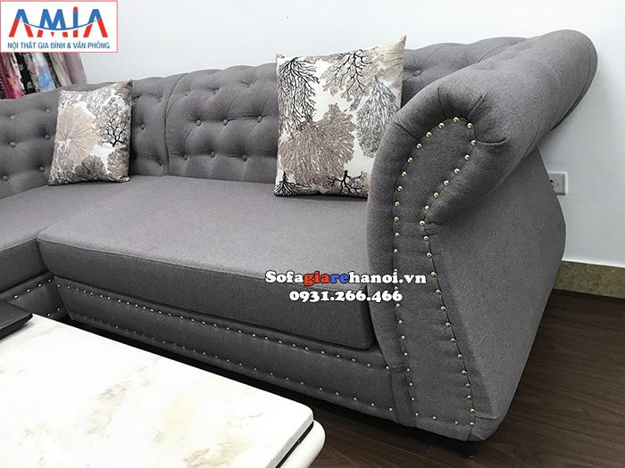Hình ảnh sofa nỉ nhỏ kê cửa hàng quần áo thời trang, shop quần áo đẹp