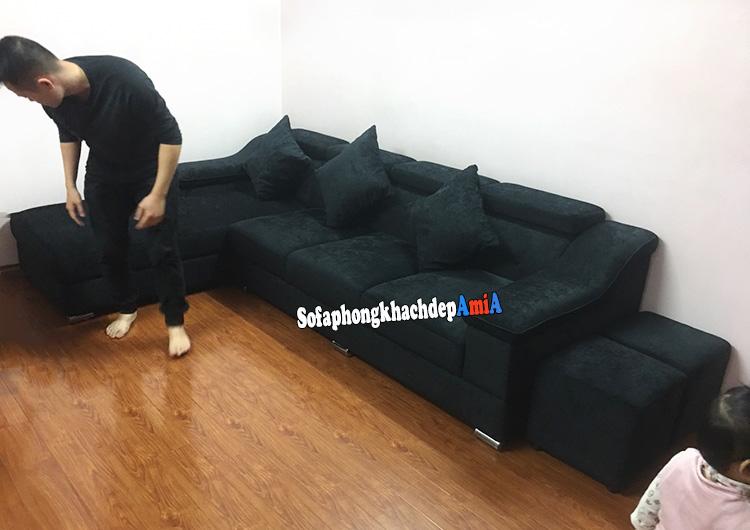 Hình ảnh Mẫu sofa nỉ đẹp hiện đại phòng khách bài trí sát tường và tiết kiệm diện tích góc căn phòng